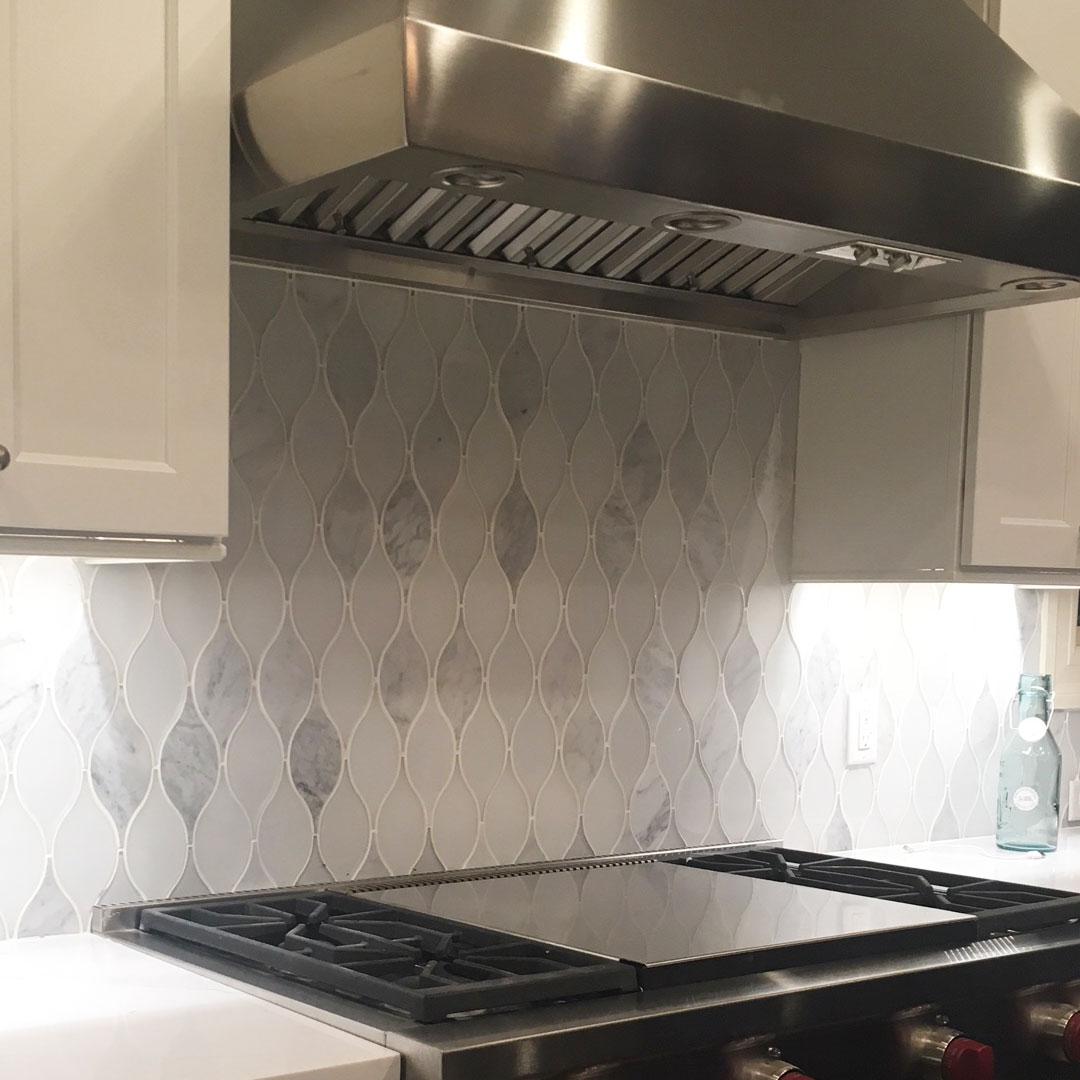 chandelier-carrara-kitchen-3.jpg